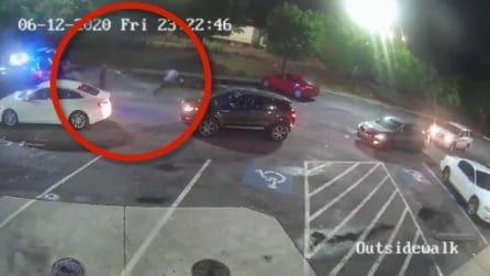 Omicidio Rayshard Brooks, spuntano le immagini della sparatoria: così la polizia lo ha ucciso
