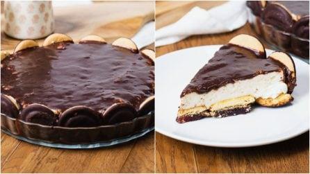 Torta cookie al cioccolato e crema: il dolce senza cottura perfetto per una cena tra amici!