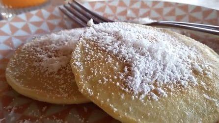 Pancakes al cocco: la ricetta alternativa dal sapore esotico