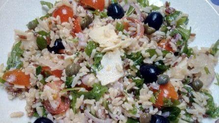 Insalata di riso: la ricetta del primo piatto fresco e gustoso