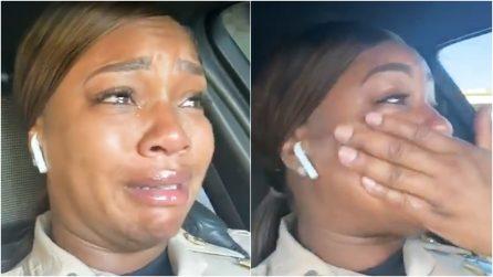 L'agente è in lacrime per un atto di gentilezza inaspettato: la storia che vi arriverà al cuore