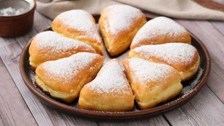 Triangoli graffa ripieni di crema: il dessert cremoso che vi conquisterà al primo assaggio!