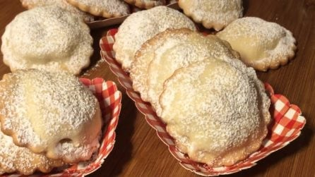 Biscotti con cuore di mela: la ricetta semplice e golosa