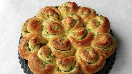 Fiore di pane ripieno: la ricetta soffice da preparare facilmente