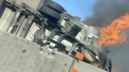 Tir e trattore si scontrano: incendio sulla Pontina