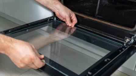 Forno a doppio vetro: il metodo naturale per pulirlo perfettamente