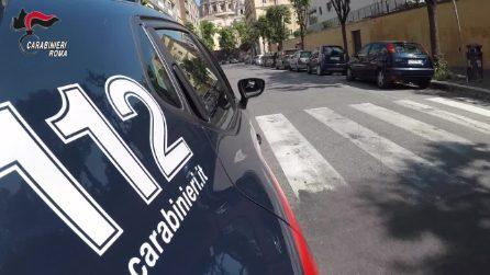 Roma, i carabinieri arrestano quattro persone che truffavano ed estorcevano denaro agli anziani