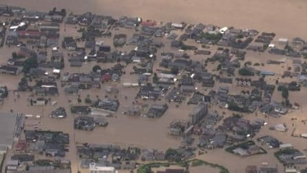 Piogge torrenziali nel Sud del Giappone: frane e alluvioni