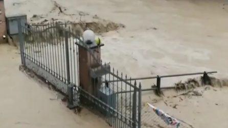 Maltempo, esonda il rio Vallumida: alluvione a Montegrosso (AT)
