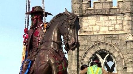 Usa, rimossa la statua del generale sudista Jeb Stuart a Richmond