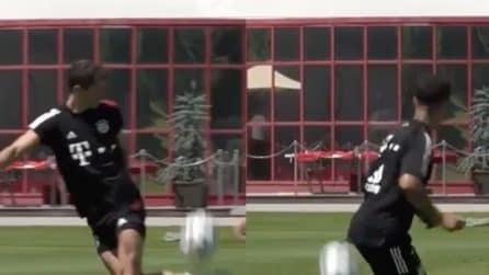Lewandowski e Coutinho fanno i giocolieri: che numeri in allenamento