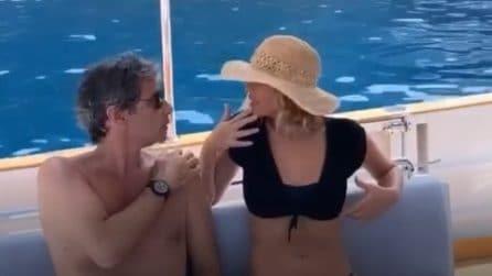 Alessia Marcuzzi in barca con il marito Paolo Calabresi Marconi dopo il gossip su De Martino