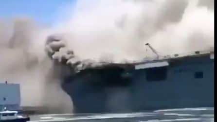 Esplosioni sula nave americana: paura nel porto di San Diego