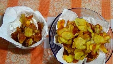 Chips di patate fatte in casa: la ricetta per averle croccanti e saporite