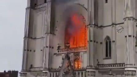 Francia, incendio nella cattedrale di S. Pietro e Paolo a Nantes
