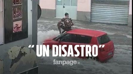 """Sicilia, bomba d'acqua a Scordia (Catania), persone sopra i tetti delle auto: """"Un disastro"""""""