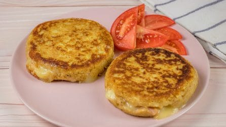 Potato burger: ready in a few minutes in a pan!