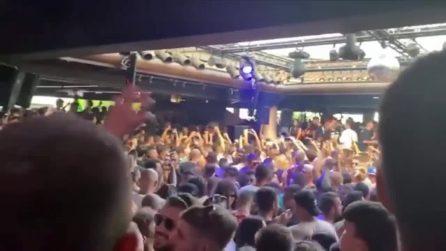 Jesolo, il super assembramento all'alba alla discoteca Il Muretto