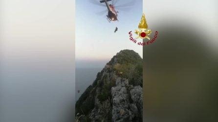 Circeo, quattro giovani escursionisti salvati dall'elicottero dei vigili del fuoco