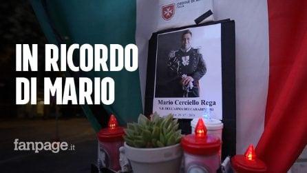 """Roma, fiaccolata in ricordo del carabiniere Mario Cerciello Rega: """"La sua luce continua a brillare"""""""