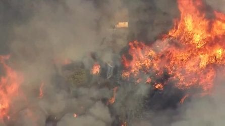 Mega incendio Los Angeles, 7.800 evacuati: situazione preoccupante