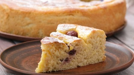Sour cherry brioche: the tasty snack you will fall in love with at the first bite!