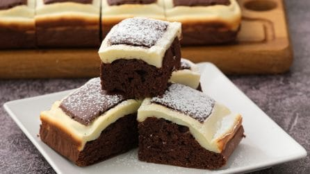 Magic chocolate squares: the perfect idea for a sweet and tasty snack!