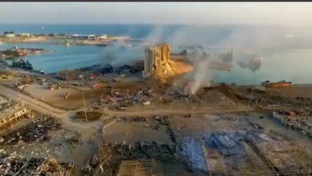 Esplosione a Beirut: il porto è stato spazzato via, tutto intorno è stato raso al suolo