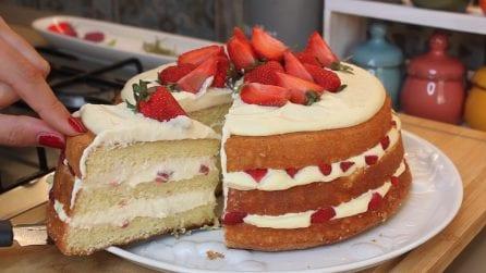 Naked cake con fragole e crema chantilly: il dessert strepitoso che amerete
