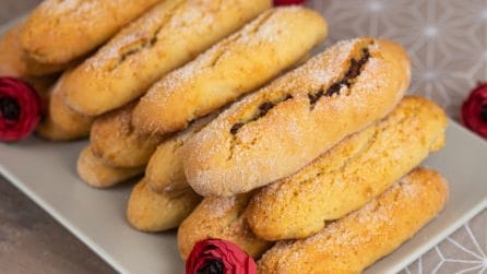 Biscotti spugnosi al cioccolato: così buoni che uno tira l'altro!