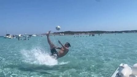 """God Save the Queen"", numero di Ibrahimovic in acqua"
