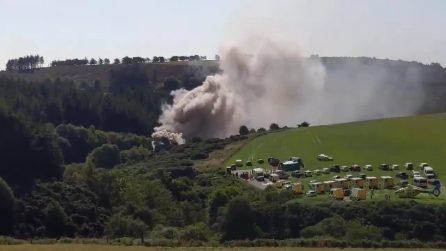 Treno passeggeri deraglia in Scozia: feriti e un motore in fiamme