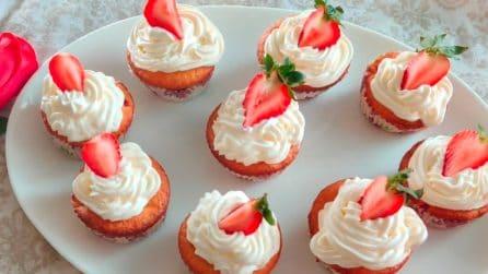 Cupcakes fragole e panna: la ricetta del dessert davvero goloso