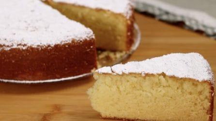 Torta al latte caldo: la ricetta del dessert soffice e goloso