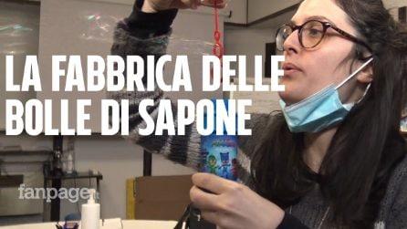 Bologna, dentro la fabbrica di bolle di sapone più importante d'Europa