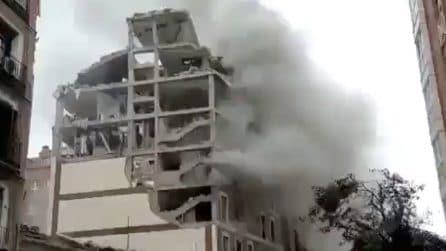 Madrid, l'edificio sventrato dall'esplosione