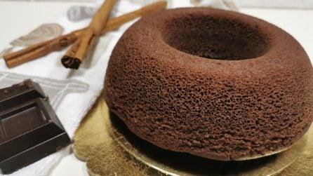 Ciambellone all'acqua con cioccolato: la ricetta del dessert super soffice