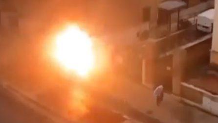 Roma, esplode una cabina elettrica: paura tra i passanti