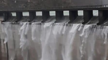 Tracima la diga di Ridracoli: cascata alta cento metri