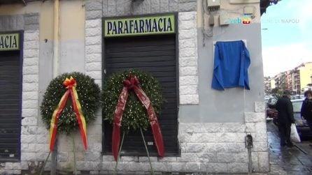Una targa in ricordo di Lino Apicella, il poliziotto ucciso a Napoli