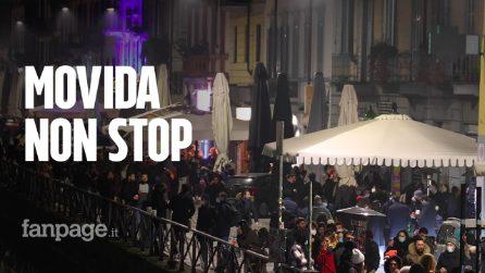 Primo sabato sera in zona gialla a Milano: Darsena e Navigli affollati