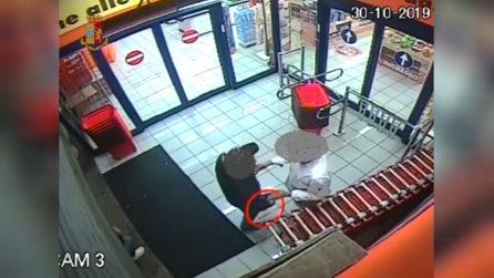 Milano, mette a segno sei rapine in un mese impugnando una pistola giocattolo: arrestato 38enne