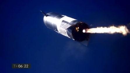 L'esplosione del razzo Starship SN9 di SpaceX