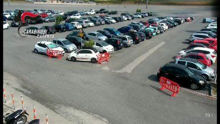 Furti a raffica nei parcheggi dei centri commerciali tra Napoli e Caserta, 4 arresti