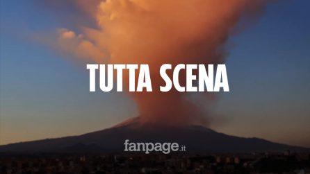 """Lo show dell'Etna spaventa l'Italia. Ma l'Ingv rassicura: """"Nessun rischio, tutto normale"""""""