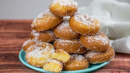 Fried bigne: you can't resist them!