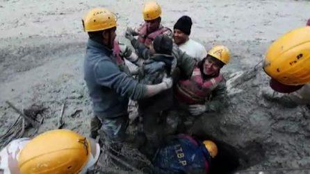 India, 14 morti e 170 dispersi per crollo ghiacciaio himalayano