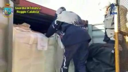 Gioia Tauro, cocaina occultata nei container del caffè: sequestrati 1300 chili al porto