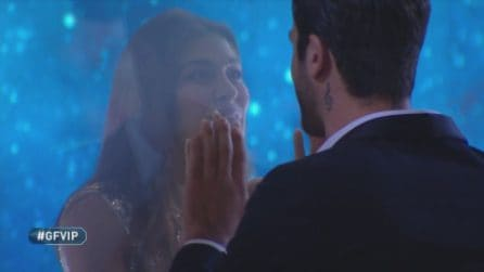 Grande Fratello VIP - L'incontro tra Pierpaolo Pretelli e Ariadna Romero