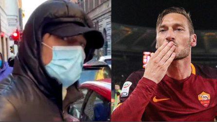 Totti, si realizza un sogno: passeggia indisturbato al centro di Roma